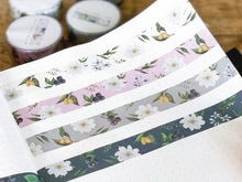 Load image into Gallery viewer, White Cosmos Floral Washi - White
