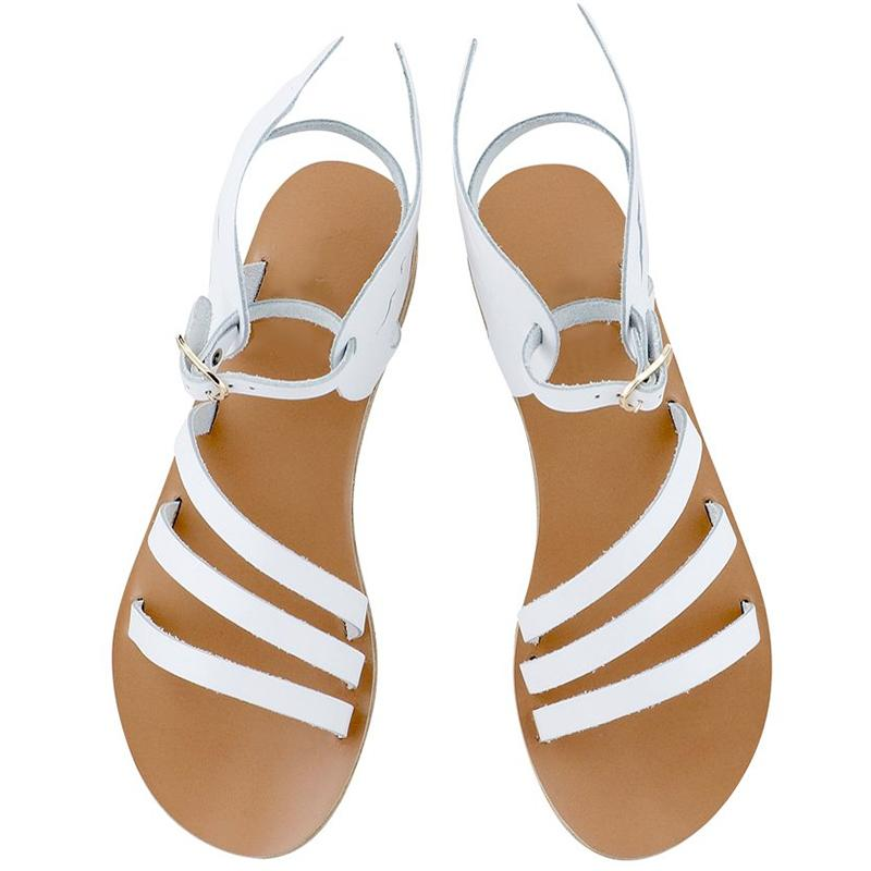 Stylish flat ladies' sandals with wings