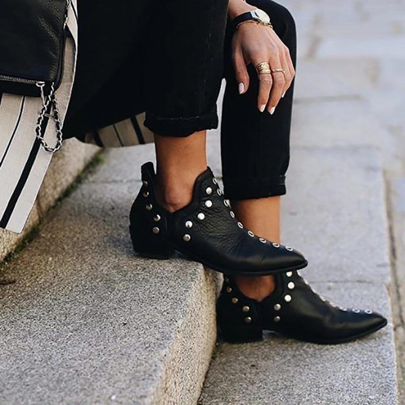 Women Chic Rivet Eyelet Point Toe Chukny Ankle Boots