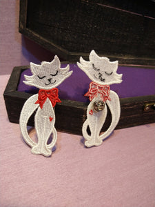 Witch from the West - Lilly's Cat Frees Standing Lace Pin