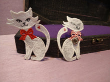 Load image into Gallery viewer, Chloe's Cat Free Standing Lace Pin