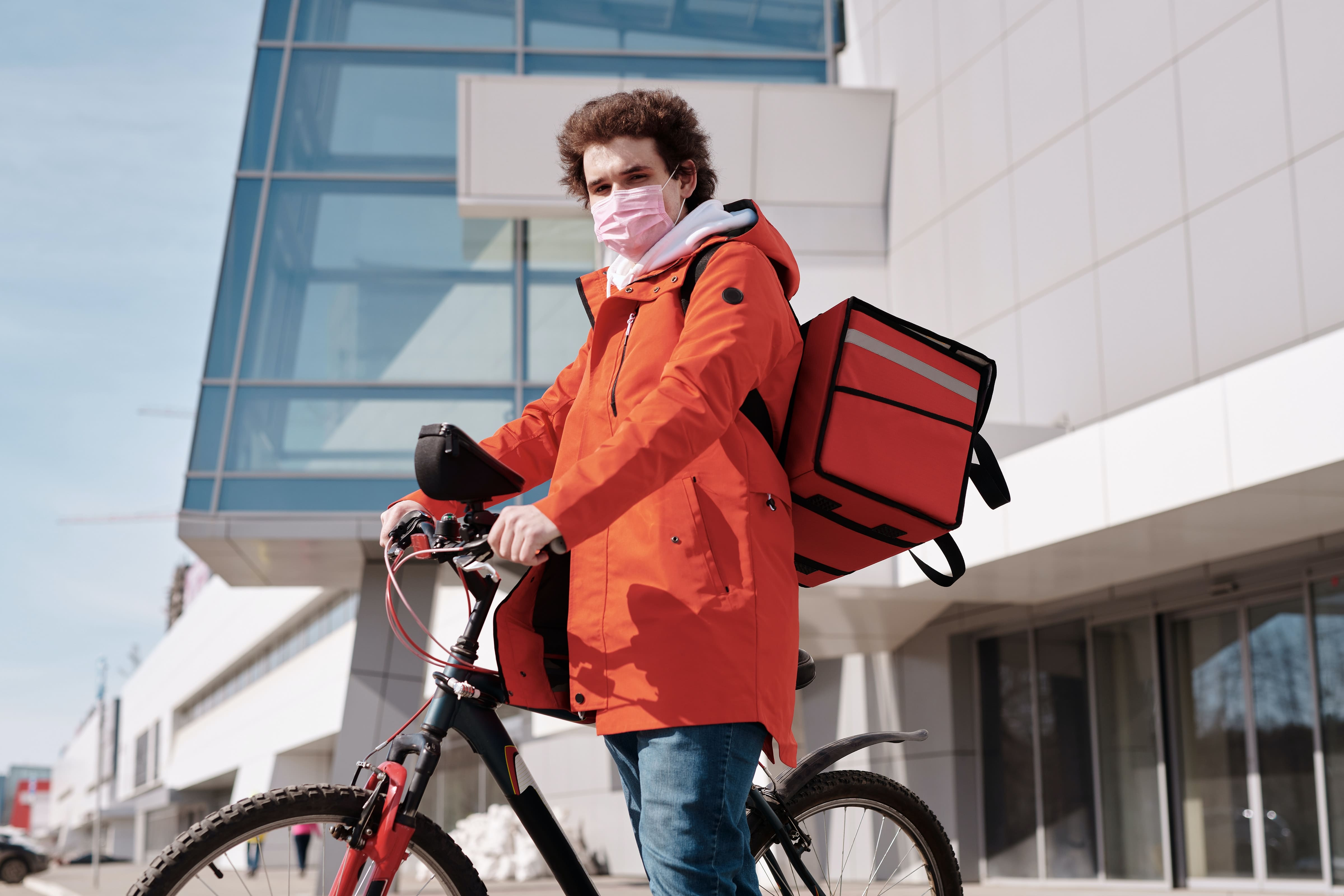Bikes instead of automobiles - Social Distancing - air Defender USA
