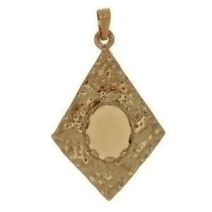 Cabochon Setting Diamond Shape Nugget Pendant Holds 8x10 mm Oval Cabochon