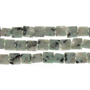 KIWI STONE WHITE SQUARE 8 MM STRAND