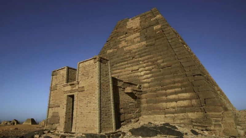 Sudan floods: Nile water level threatens ancient pyramids