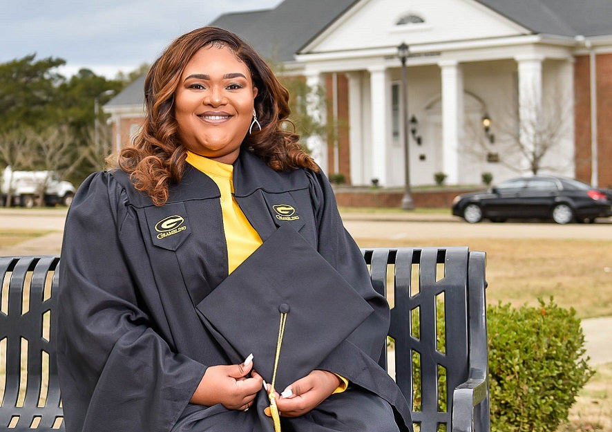 Feature News: A Black Woman Just Became The First Person In Louisiana To Earn A Degree In Cybersecurity