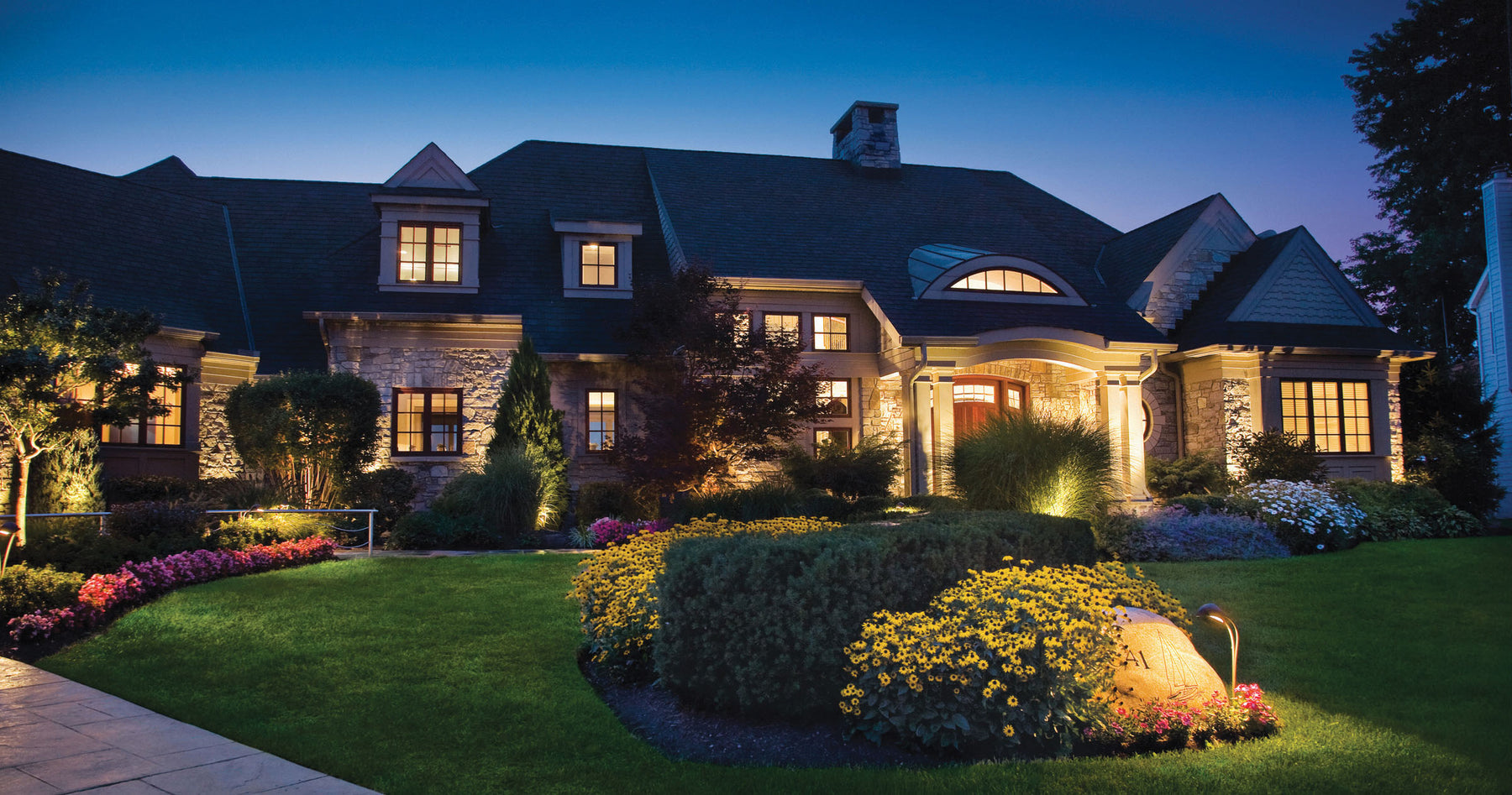5 Steps to revamp your Landscape Lighting