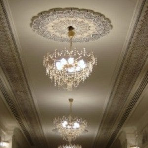 Using chandeliers to decorate your home