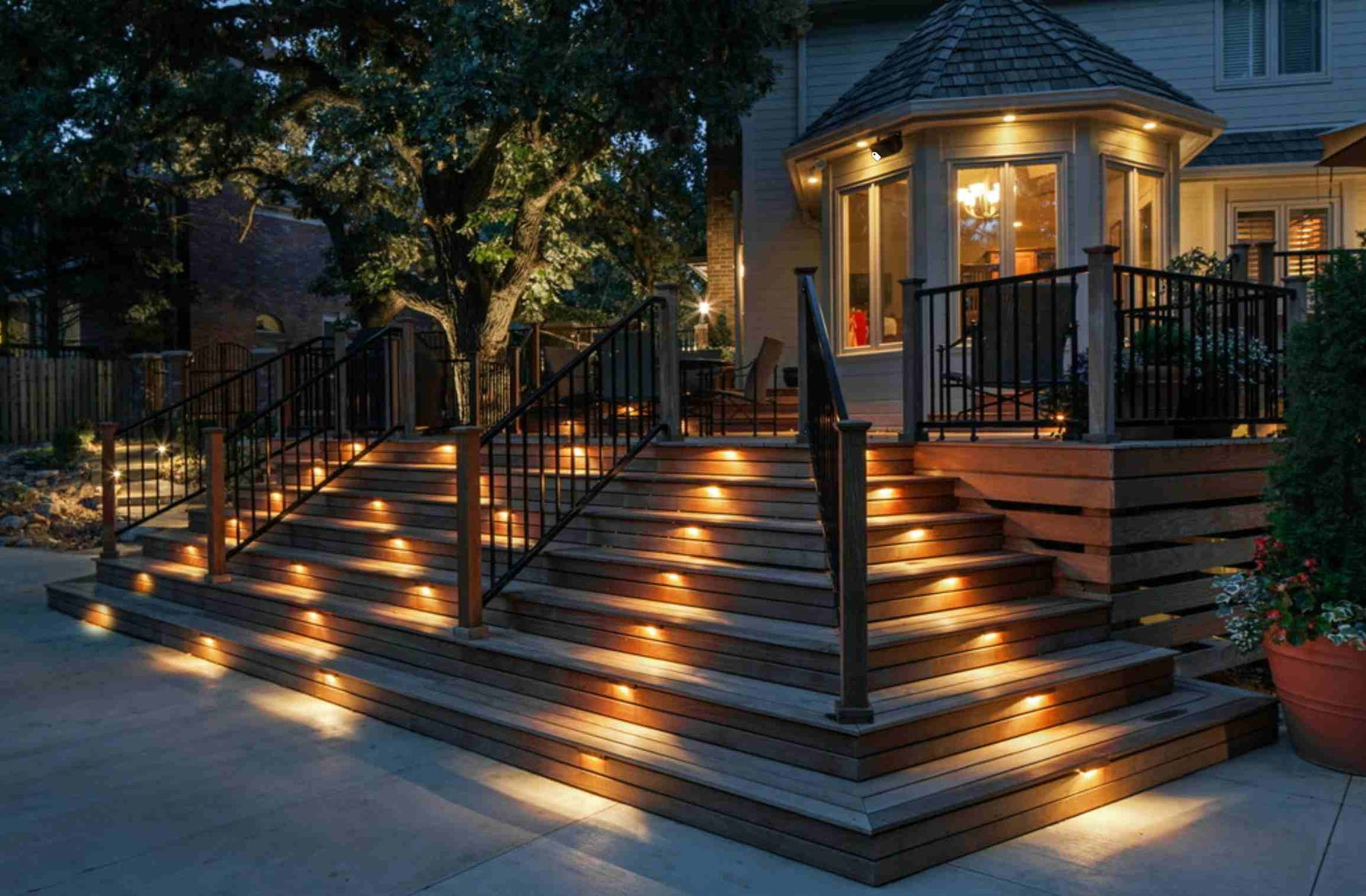 How to decorate your porch using lighting fixtures