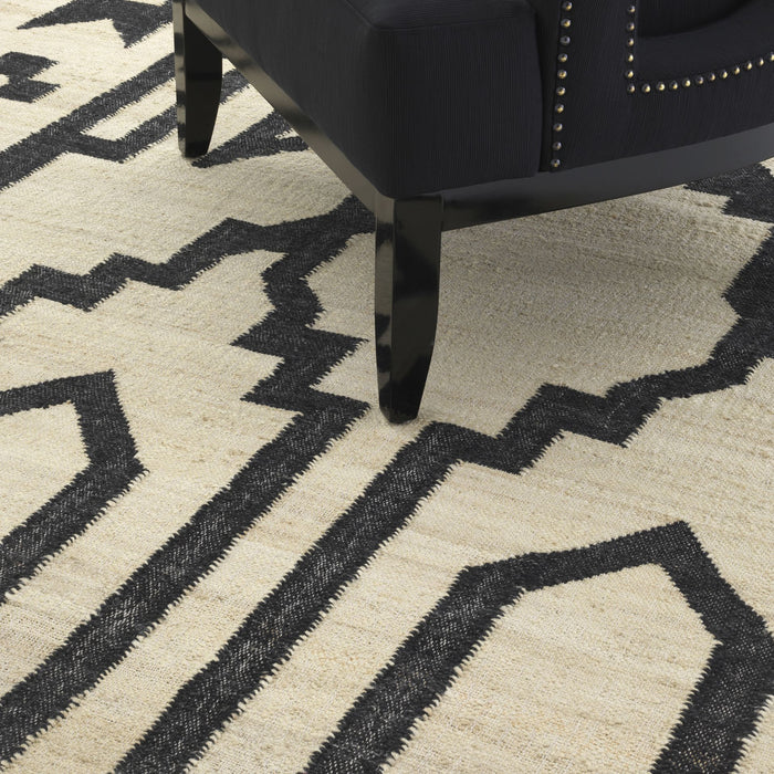Buy online latest and high quality Alhambra 300 x 400 cm Carpet from Eichholtz | Modern Lighting + Decor