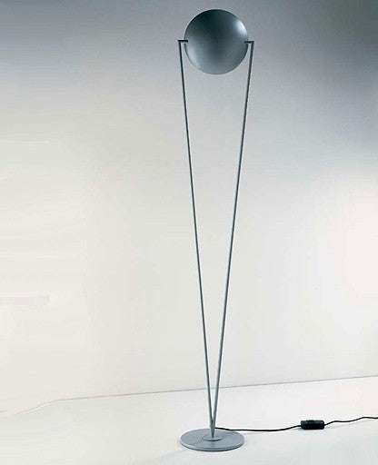 Victory floor lamp from Lumen Center Italia | Modern Lighting + Decor