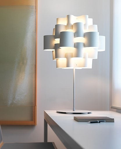 Sun table lamp from Karboxx | Modern Lighting + Decor
