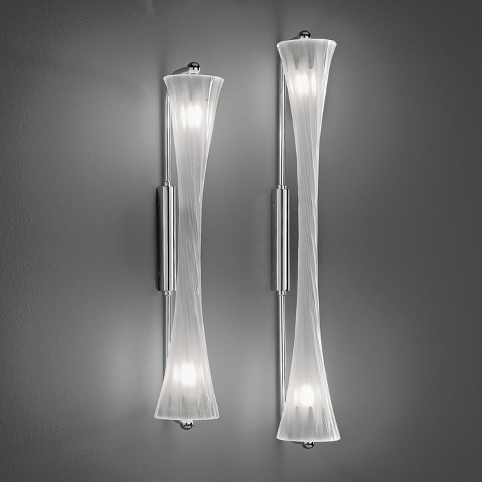 3033 Wall Lamp from ITALAMP | Modern Lighting + Decor