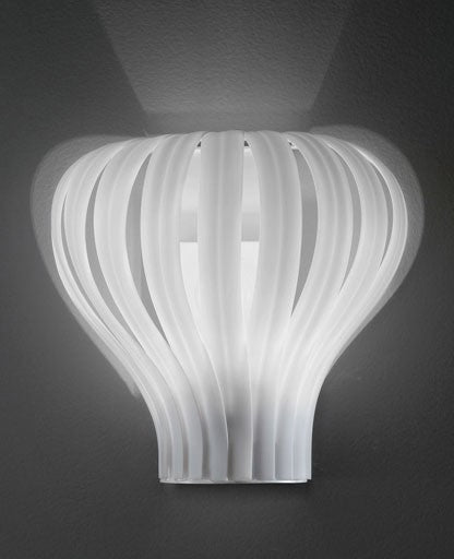 2318 Soon Wall Lamp from ITALAMP | Modern Lighting + Decor