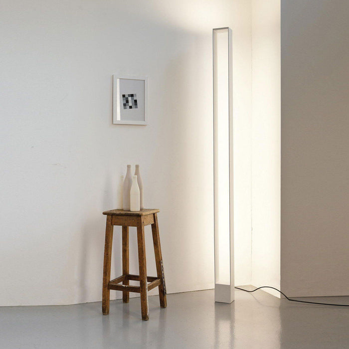 Buy online latest and high quality TRU Floor Light from Nemo Italianaluce | Modern Lighting + Decor