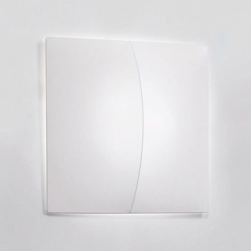 Nelly Straight 100 Wall/Ceiling Lamp from Axo | Modern Lighting + Decor