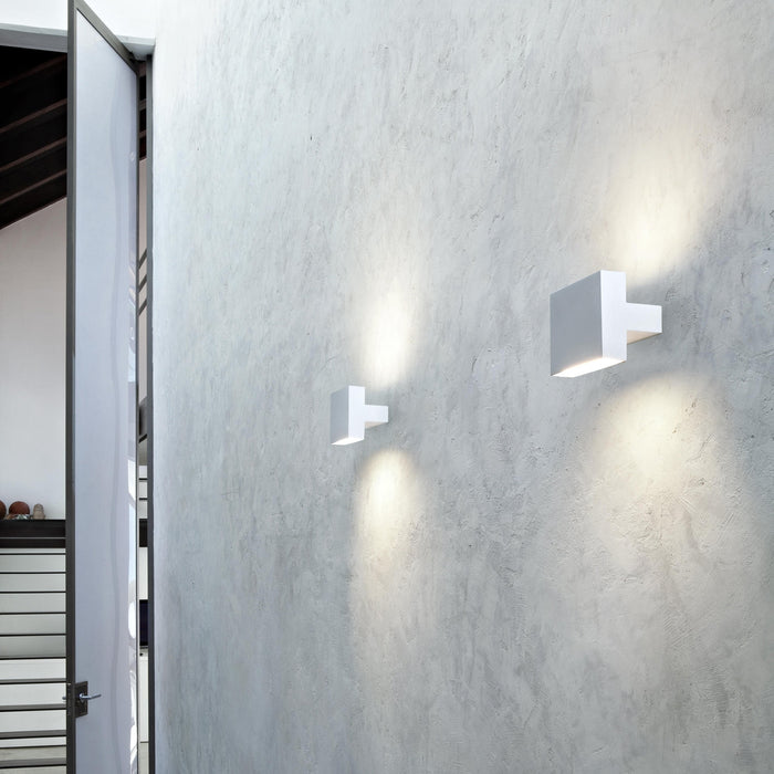 Buy online latest and high quality Tight Light Wall Light from Flos | Modern Lighting + Decor