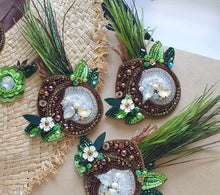 Load image into Gallery viewer, Coconut Brooch
