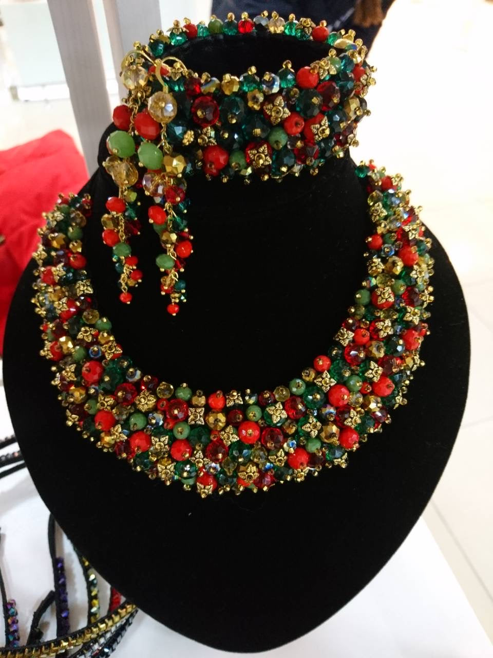 Necklace beaded on Leather