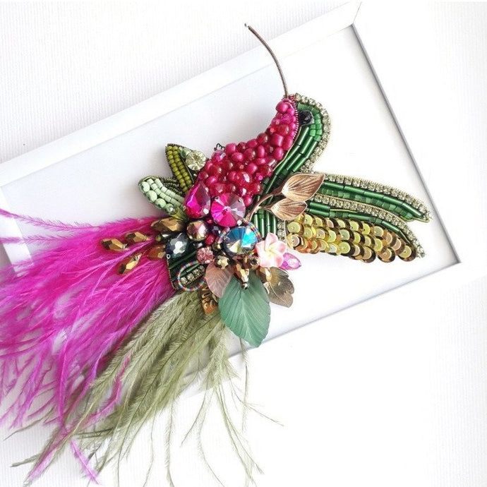 Bird Colibri Brooch with Ostrich Feathers in Pink and Green