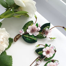 Load image into Gallery viewer, Flower Branch Brooch