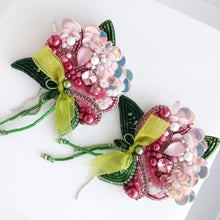 Load image into Gallery viewer, Peony Brooch