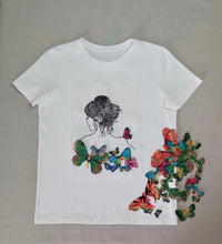 Load image into Gallery viewer, Tshirt with Butterflies