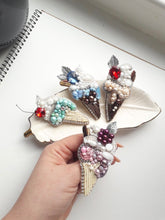 Load image into Gallery viewer, Cupcake Brooch