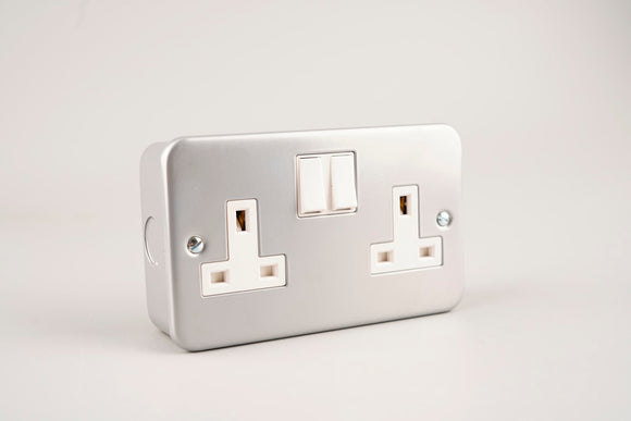 Metal Clad – ASTA 13A Twin Switched Socket
