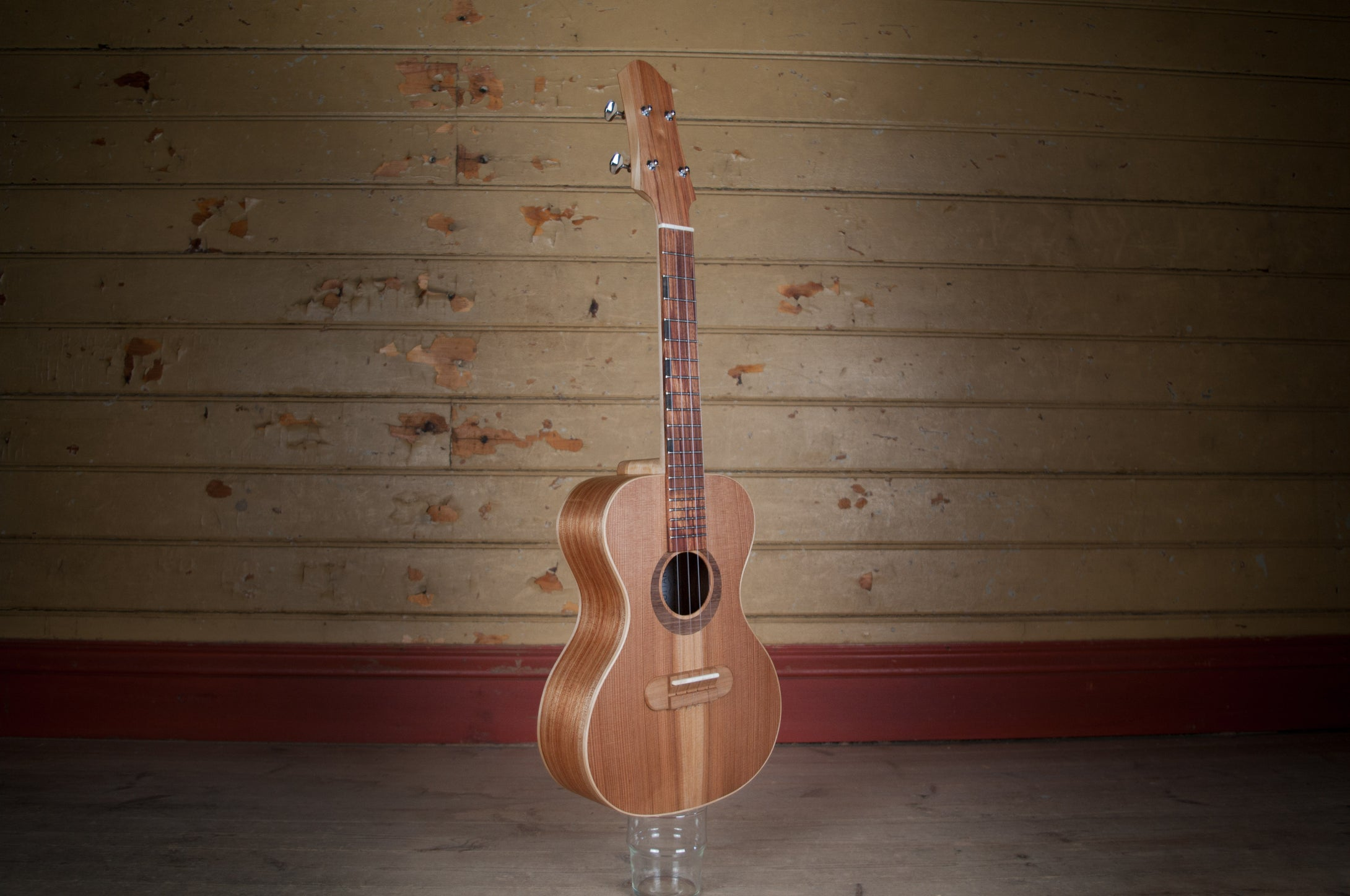 Tenor ukulele - Flora Model