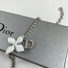 Load image into Gallery viewer, Dior crystal flower bracelet