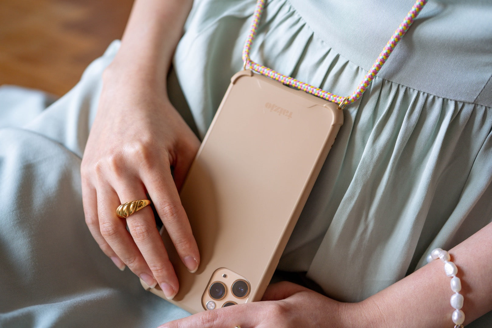 The Renaissance Taizjo Modular Phone Sling Case for iPhone Samsung Huawei and Oppo - SANDLUX 2.0 with detachable Carnival Dacron Cord