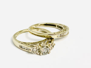 10 kt White Gold Diamond Engagement Ring Set - 2 Rings