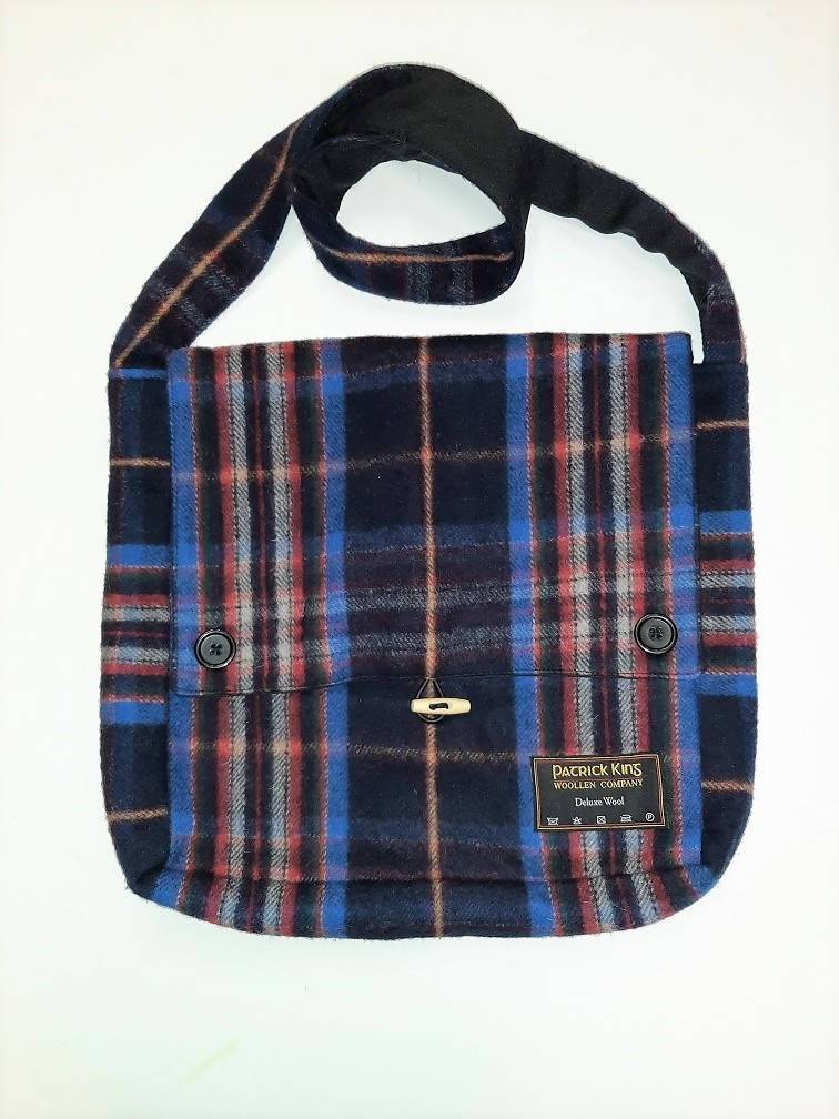 Spirit of Quebec Tartan Wool Messenger Bag