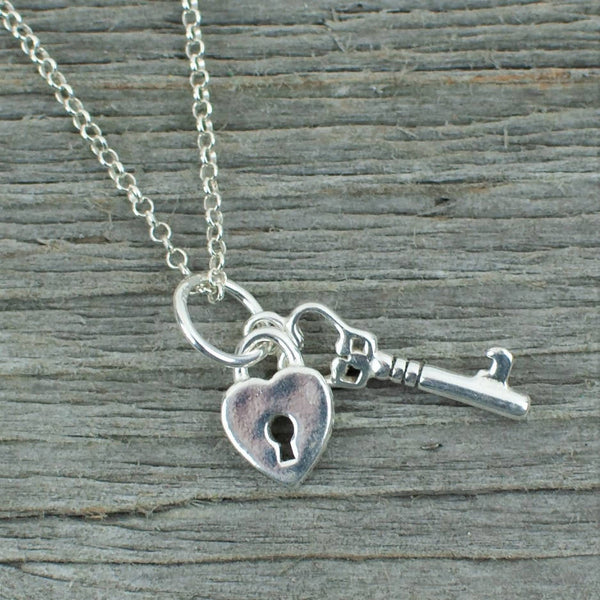 Key to her heart Silver Necklace