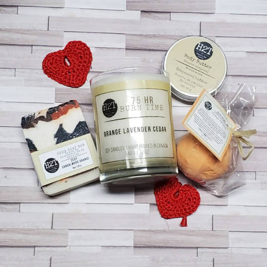 Beautiful Luxury Git Set | 75hr Burn Candle, Patterned soap, bath bomb and body butter card and box included.
