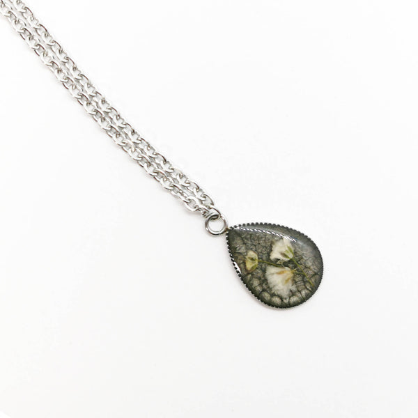 Teardrop Baby's Breath Necklace