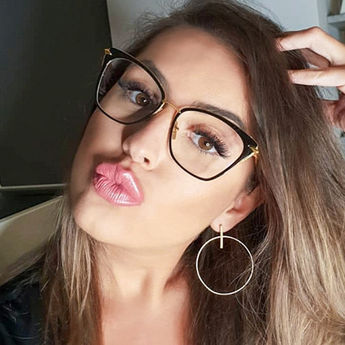 Wonderful Girl Fashion Glasses