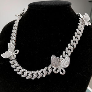 Open image in slideshow, Butterfly Drip Silver short choker