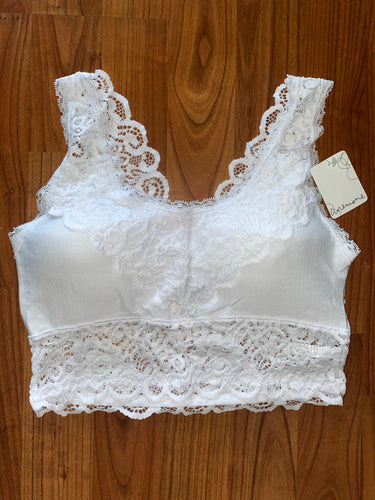 Rounded Neckline Lace Bralette