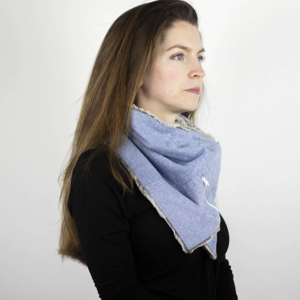 Wilderspin Scarves Faux Fur and Flannel Neck Wrap Scarf with Front Pocket Light Blue Herringbone Silver Fox Fur Pocket Scarf