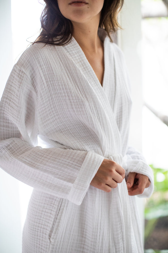 double gauze white robe with two slouchy front pockets and a front waist tie