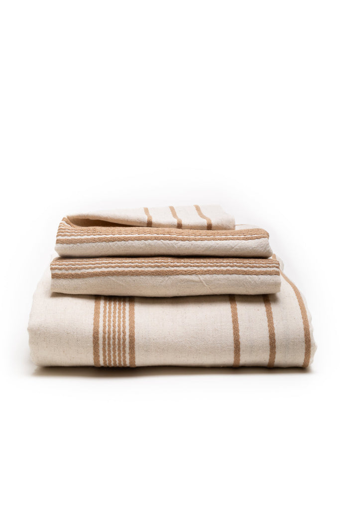 natural duvet cover set with beige colored thin stripes in-between