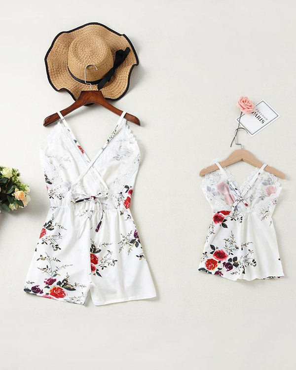 Floral Print Lace Trim Romper For Mom