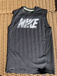 Nike Youth Top Size 14 0035