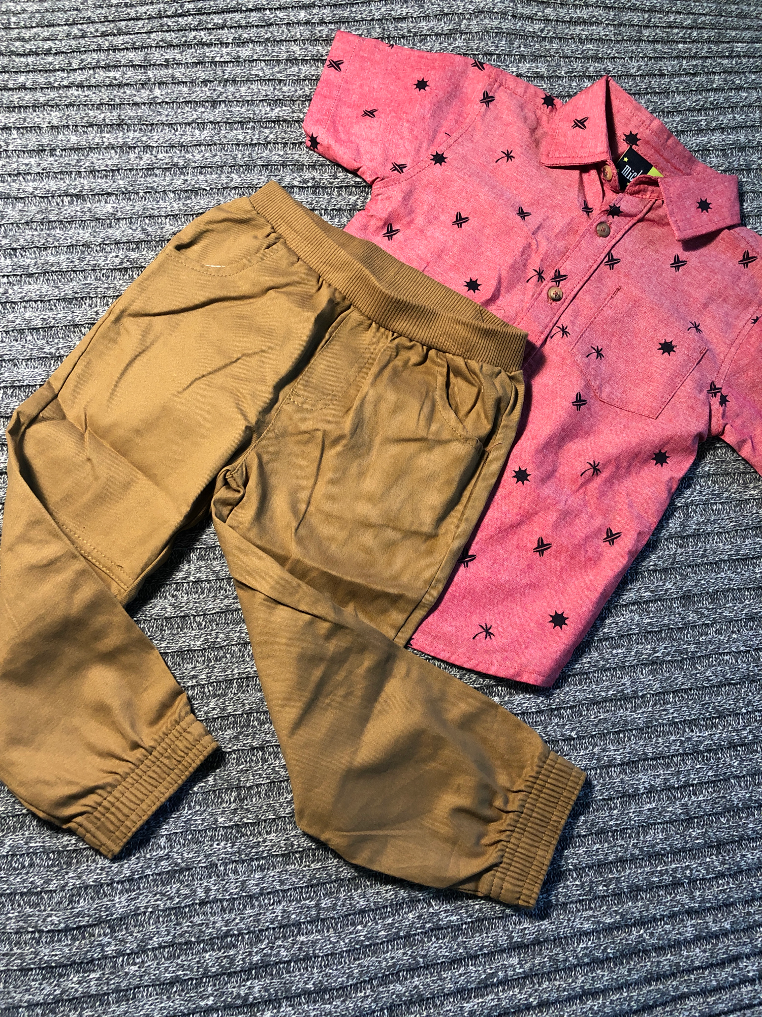 Toddler 2-piece set Size 4T 0030