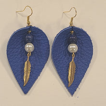 Load image into Gallery viewer, Leaf Feather Leather Earrings
