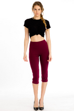 Load image into Gallery viewer, Stretch Knit Capri Leggings