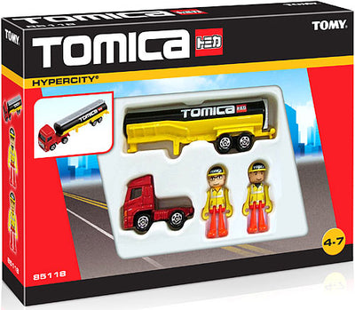 Set camion cisterna si figurine Tomica Tomy