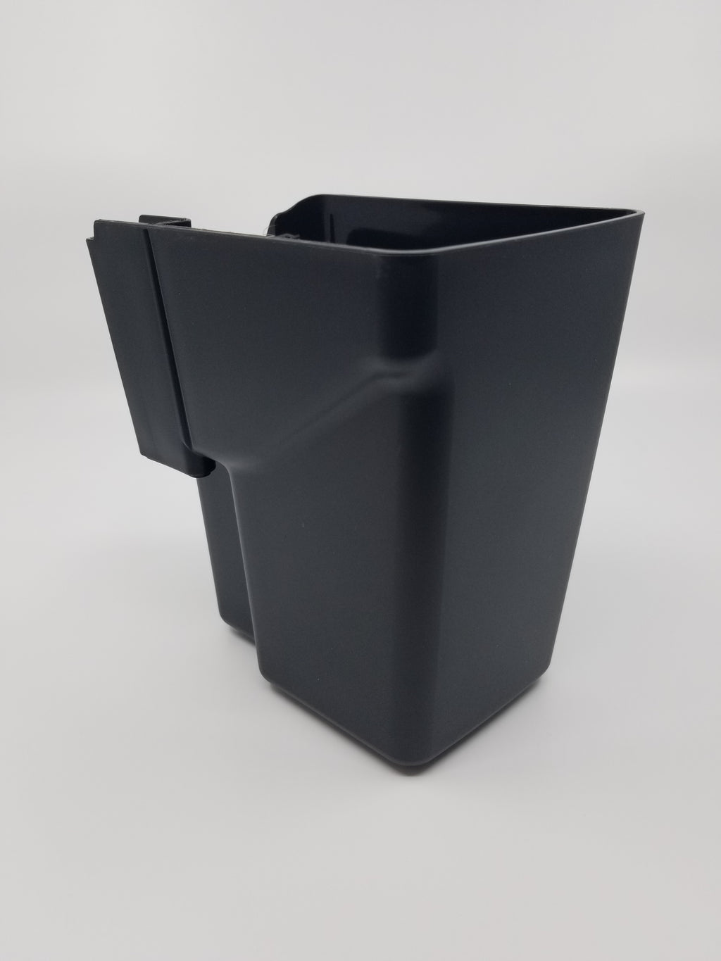 X8 - Ground Container With Rag